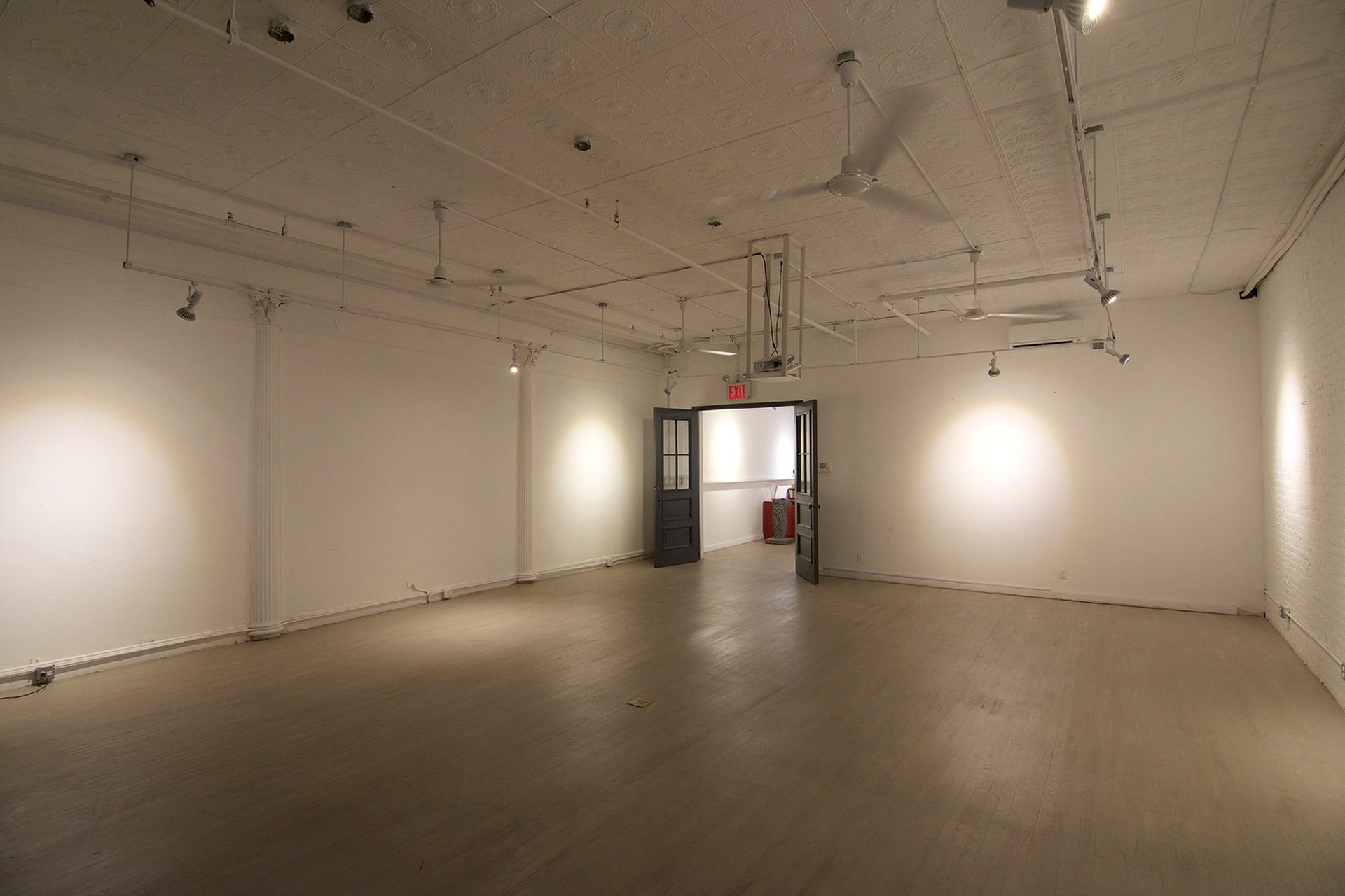 NYC workshop spaces Gallery Infinito image 3