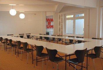 Hamburg workshop spaces Meetingraum Pilatuspool image 1