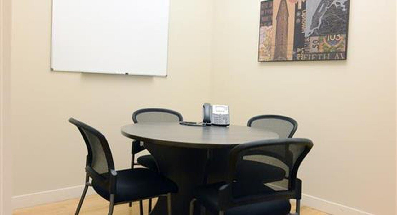 NYC conference rooms Meetingraum Select Office Suites - Small Broadway image 0