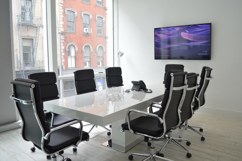NYC conference rooms Espace de Coworking Cubico Dry Erase Conference Room  image 2