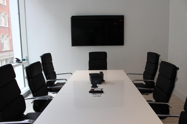 NYC conference rooms Espace de Coworking Cubico Dry Erase Conference Room  image 1