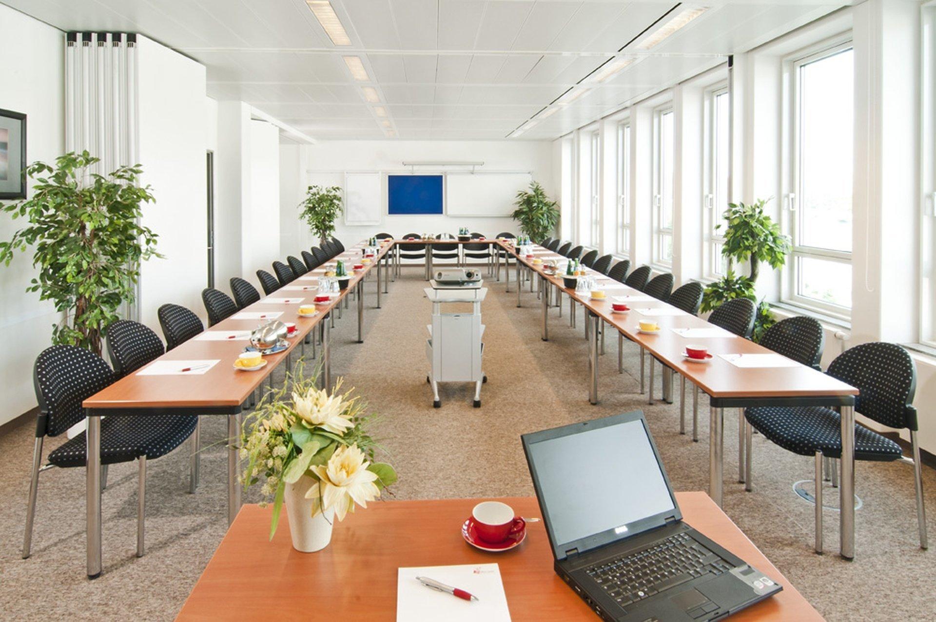 München seminar rooms Meetingraum ecos office center münchen - Konferenzräume 4+5 image 0