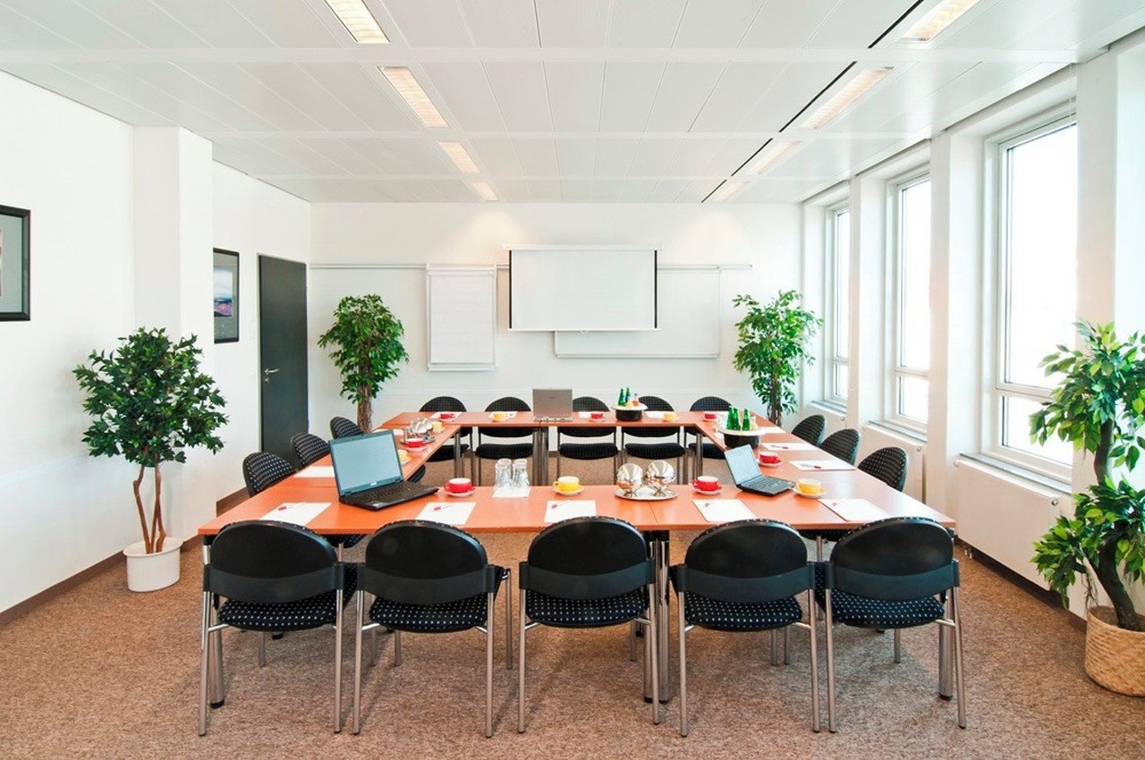 Munich seminar rooms Meeting room ecos office center münchen - conference room 5 image 0