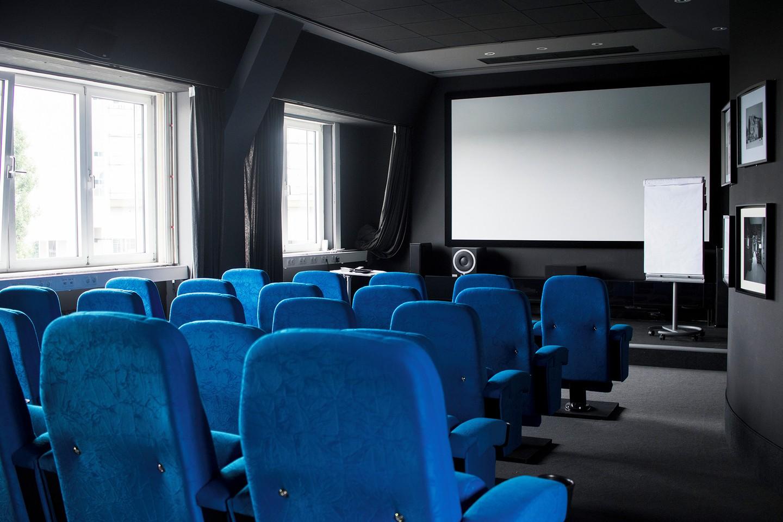 Berlin Schulungsräume Privatkino rent24 Cinema image 8