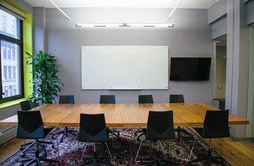 NYC workshop spaces Salle de réunion Voyager HQ Club Room image 2