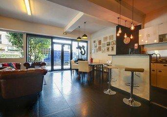Paris Salles de conférence Espace de Coworking SPLIT Coworking - deal room - gare du nord image 3