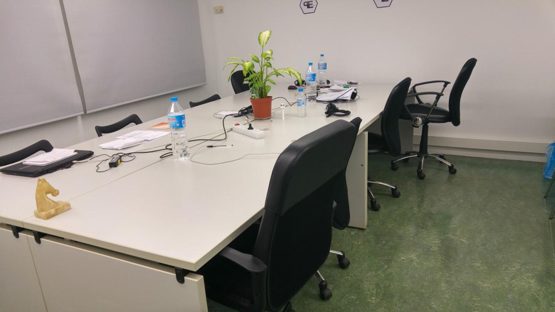 Barcelone training rooms Espace de Coworking Start2bee Travessera image 2