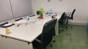 Barcelone training rooms Espace de Coworking Start2bee Travessera image 2