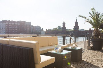 Berlin corporate event venues Private residence Spreespeicher - Capitol Yard Golf Lounge image 4