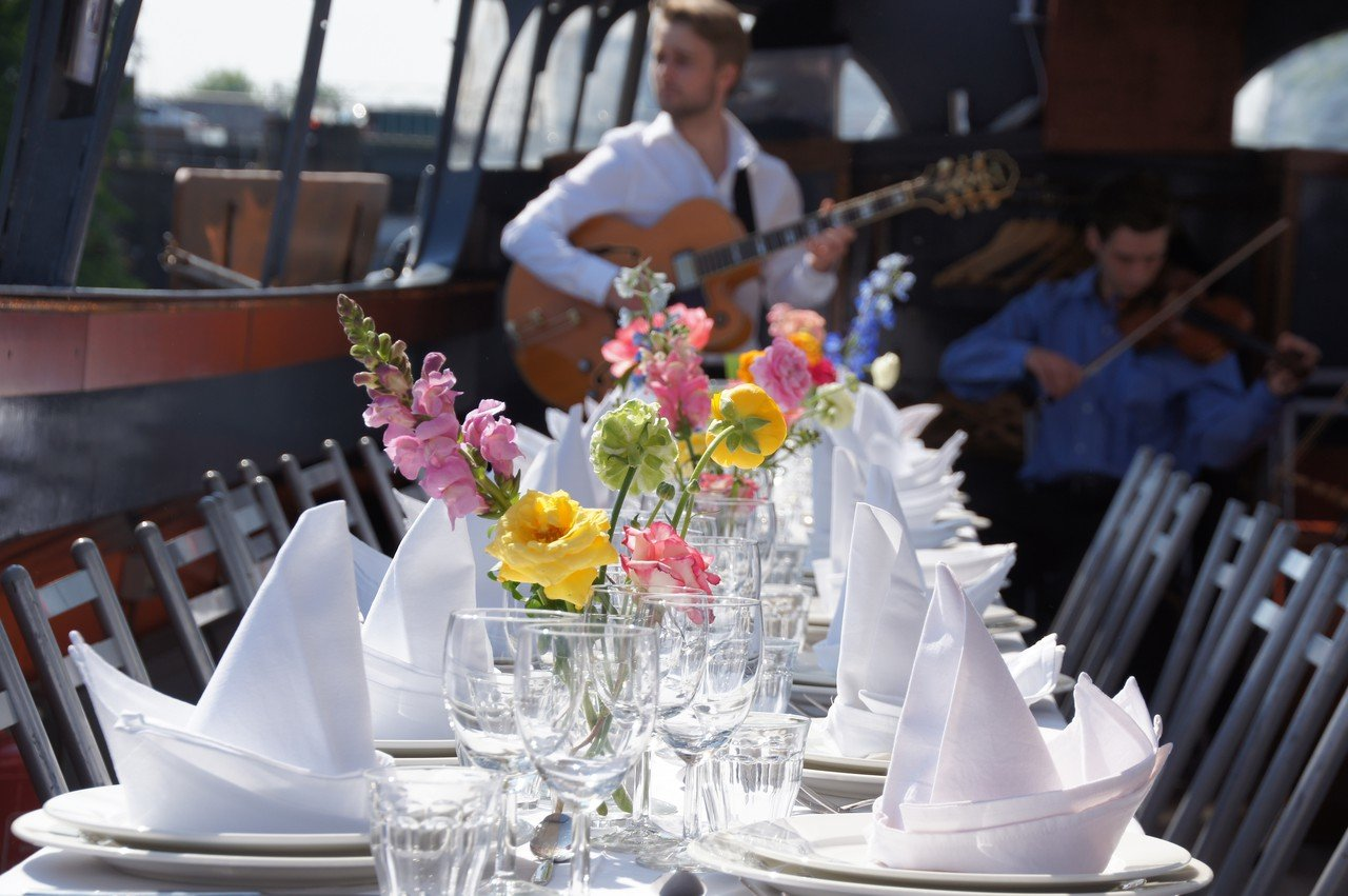 Amsterdam corporate event venues Boat Amsterdam Boat Events - De Tijd zal het Leeren image 1