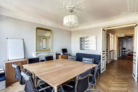 Paris training rooms Meetingraum Office Meeting Room with view Place de l'Etoile image 2