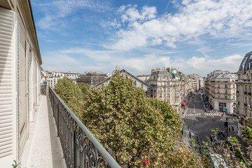Paris corporate event venues Lieu Atypique Appartement rue Franklin Roosevelt image 4