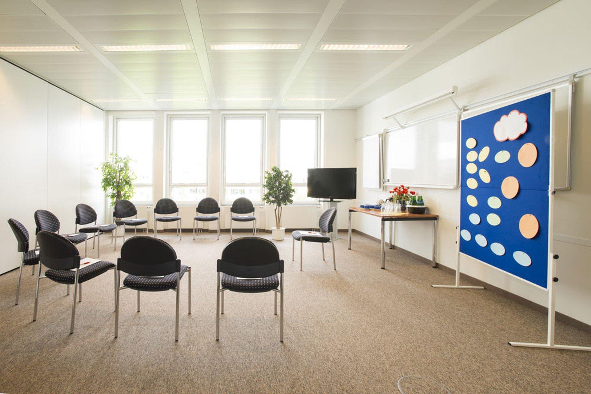 München seminar rooms Meetingraum ecos office center münchen - Konferenzraum 3 image 0