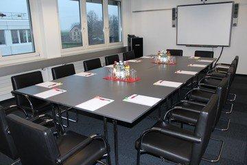 Autres villes conference rooms Salle de réunion ecos office hünenberg - big conference room image 1