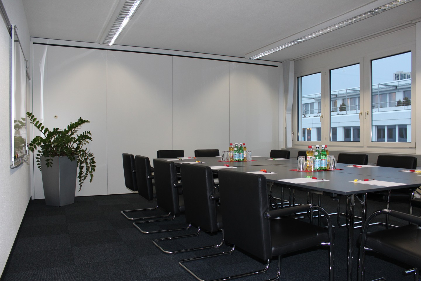 Rest der Welt conference rooms Meetingraum ecos office center hünenberg image 2