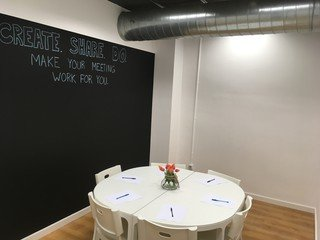 Barcelona training rooms Meeting room Creative, bright space for meetings and workshops image 7