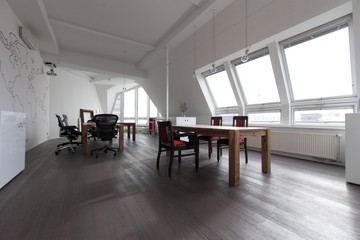 Berlin workshop spaces Private residence Penthouse loft in Berlin Mitte with amazing skyline view image 3