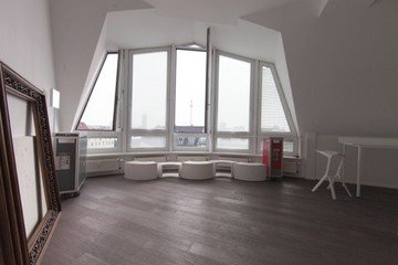 Berlin workshop spaces Private residence Penthouse loft in Berlin Mitte with amazing skyline view image 7
