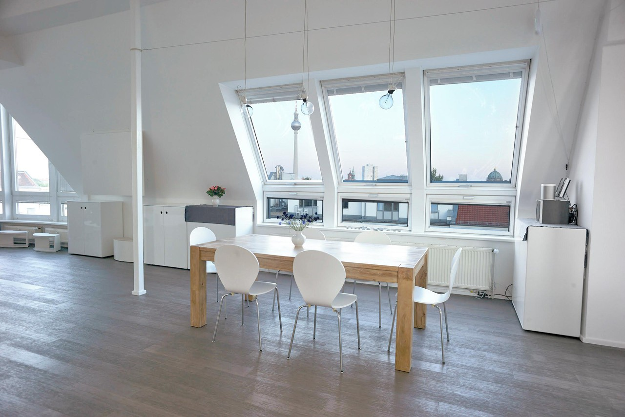 Berlin workshop spaces Private residence Penthouse loft in Berlin Mitte with amazing skyline view image 15