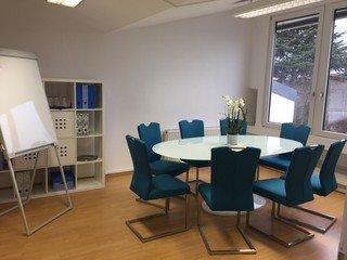 Frankfurt am Main seminar rooms Meetingraum Heller moderner Besprechungsraum image 3