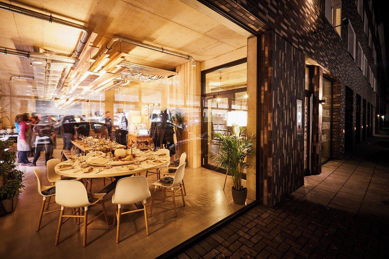 rent ipartment living kitchen k ln spacebase. Black Bedroom Furniture Sets. Home Design Ideas