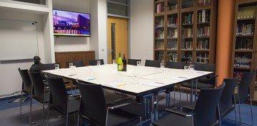 Berlin conference rooms Meetingraum Bibliothek image 5