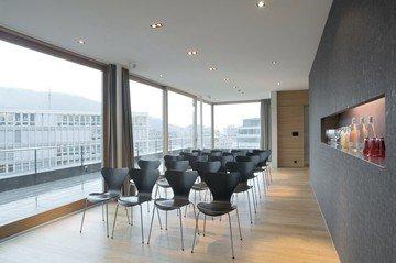 Zürich seminar rooms Meetingraum Tagen mit Aussicht in der Attika image 4