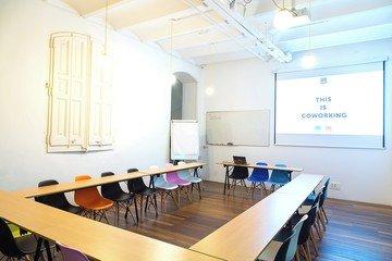 Barcelona  Meeting room CREC Coworking Eixample - Sala Sheldon Cooper image 2
