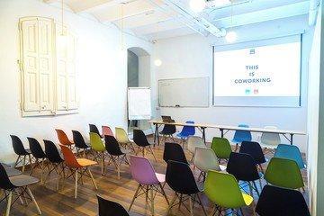 Barcelona  Meeting room CREC Coworking Eixample - Sala Sheldon Cooper image 4