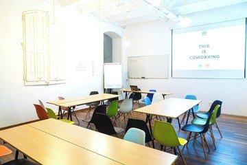 Barcelona  Meeting room CREC Coworking Eixample - Sala Sheldon Cooper image 5