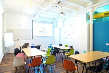 Barcelona  Meeting room CREC Coworking Eixample - Sala Sheldon Cooper image 6