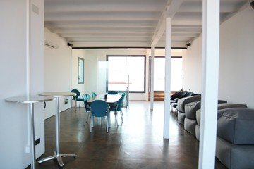 Barcelone conference rooms Rooftop Cloud Coworking Barcelona - La Portería image 2