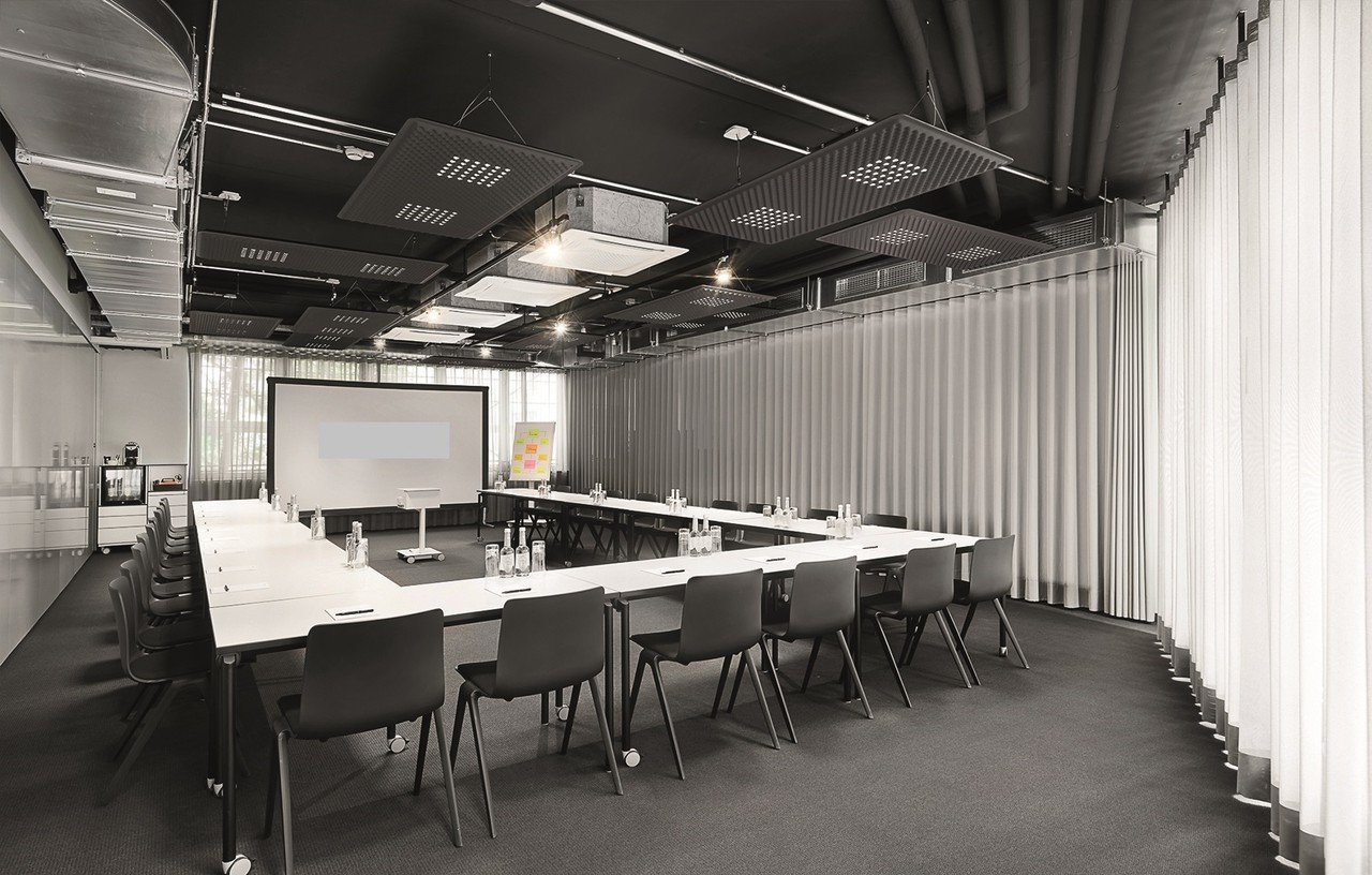Stuttgart workshop spaces Salle de réunion designofficestower-training image 0