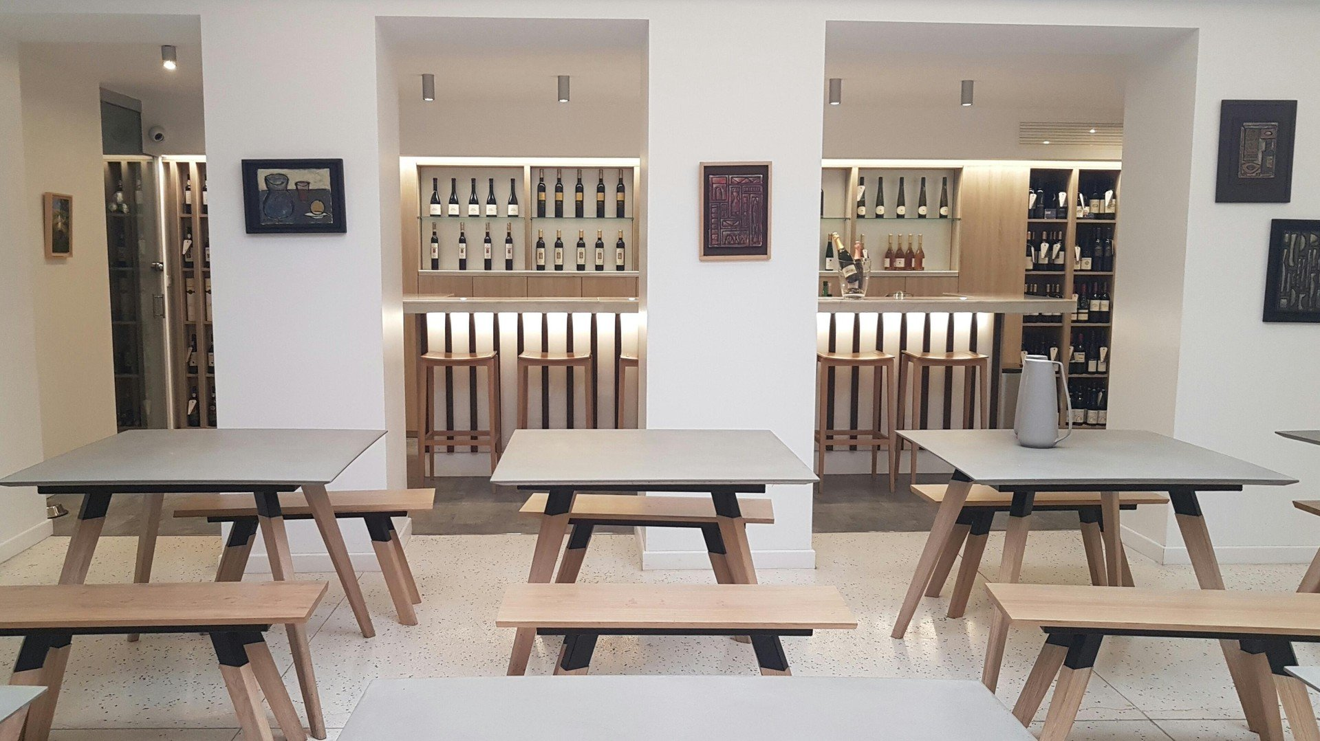Paris corporate event venues Besonders Fabulous private meeting room in a wine cellar image 9