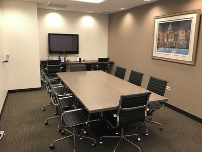 NYC training rooms Meetingraum 8 Person Meeting Room at 47th and Third Avenue image 0