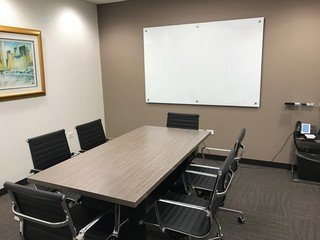 NYC training rooms Meeting room Corporate Suites - 6 person Meeting Room at 47th and Third Avenue image 0