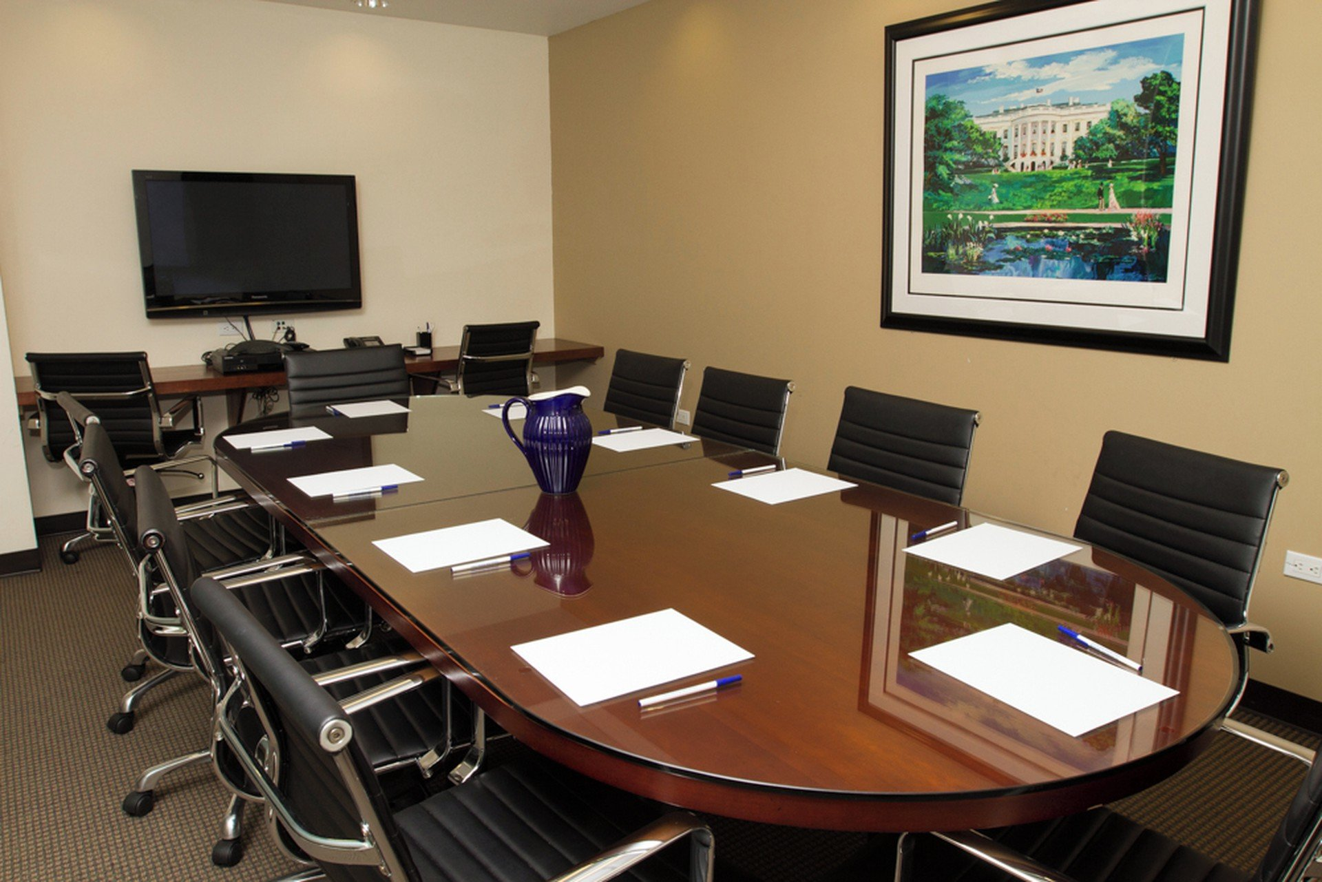 NYC training rooms Meetingraum Corporate Suites -10 Person Meeting Room Madison Ave image 0