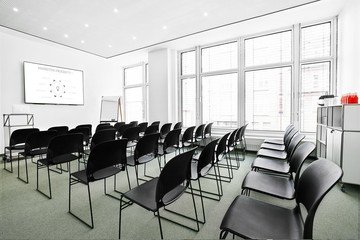 Hamburg seminar rooms Meetingraum BAZE Business Center - Seminar Room Winterhude image 2