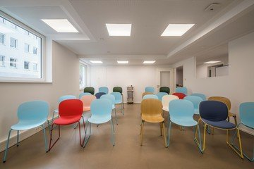 Cologne seminar rooms Meeting room COWOKI Coworking plus image 3