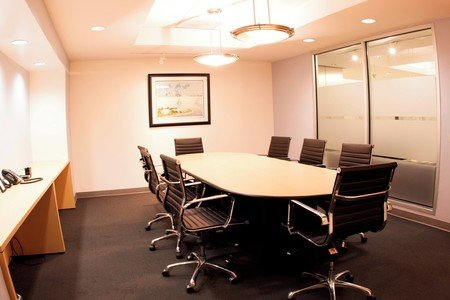 NYC training rooms Meetingraum 8 Person Meeting Room at 37th and Sixth Avenue image 0
