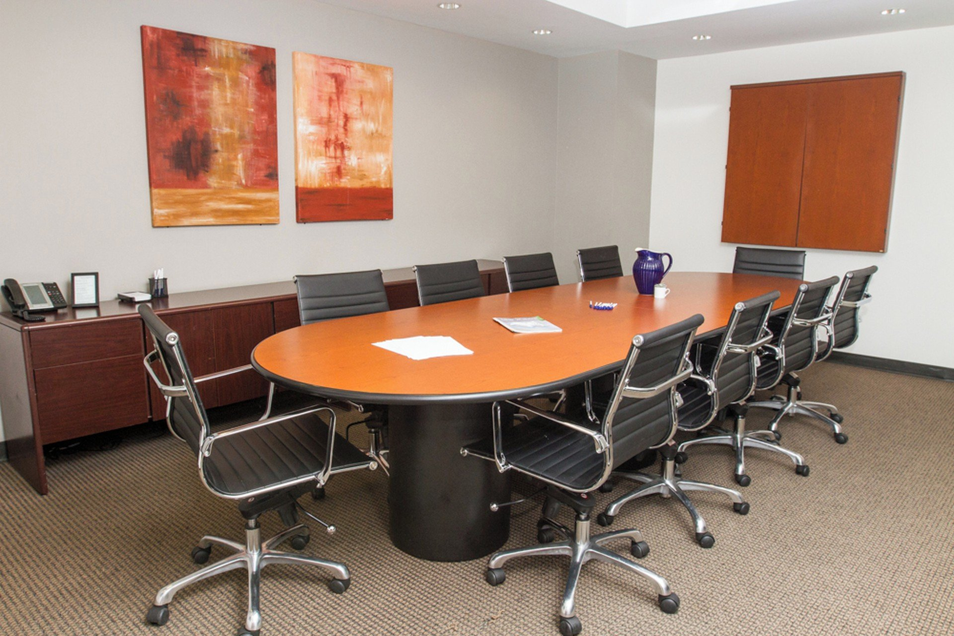 NYC  Meetingraum 10 Person Video Conference Room at 37th and Sixth Avenue image 0