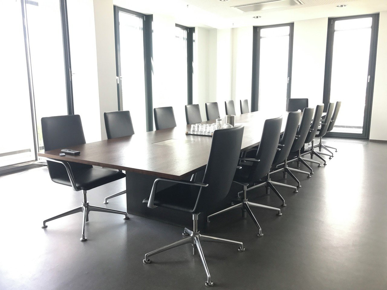 Berlin seminar rooms Meetingraum CONFERENCE ROOM BLACK image 2