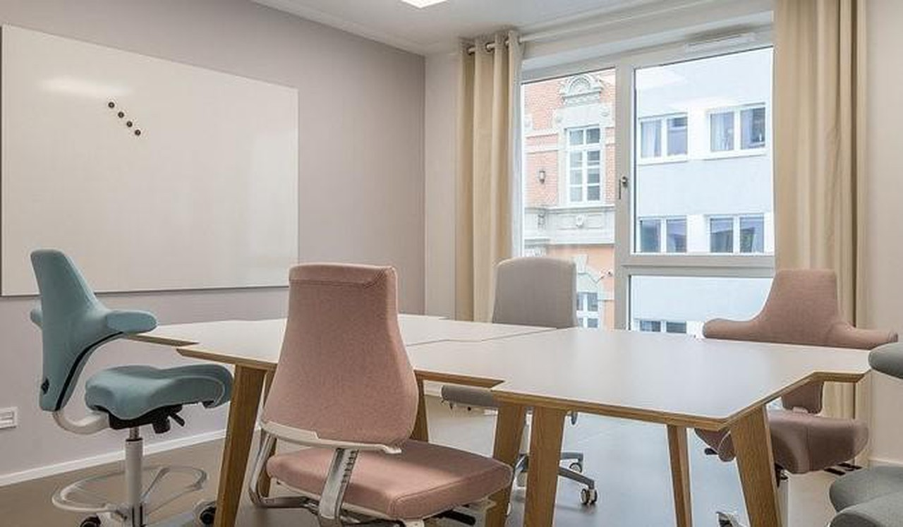 Cologne conference rooms Meeting room COWOKI Coworking plus image 6