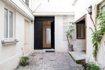 Paris corporate event venues Lieu Atypique LEON COEUR MARAIS image 1