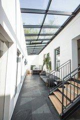 Hamburg  Studio Photo redpinata image 3