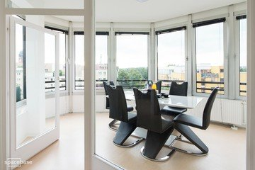 Berlin seminar rooms Meetingraum Penthouse meeting room close to Kudamm image 0