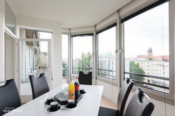 Berlin seminar rooms Meetingraum Penthouse meeting room close to Kudamm image 2