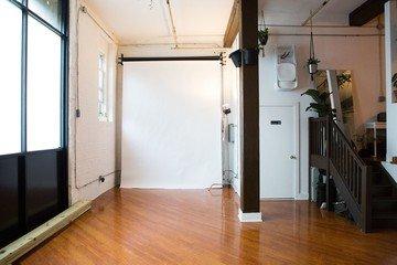 NYC  Studio Photo Vanessa Rees image 6