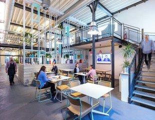 Paris  Espace de Coworking La Captivante image 3