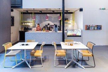 Paris  Espace de Coworking La Captivante image 4